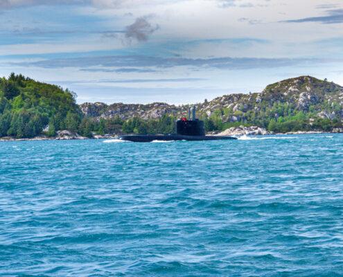 U-Boot im Fjord.