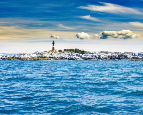 Leuchtturm Slåtterøy bei Brandasund.